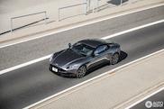 De Aston Martin DB11 is een elegante verschijning