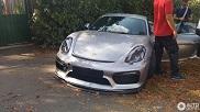 Pijnlijk: Porsche Cayman GT4 maakt slippertje