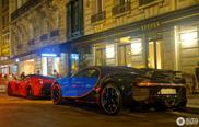 Bugatti Chiron eert Parijs met bezoek