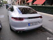 Porsche Panamera Turbo in stedelijke omgeving gespot