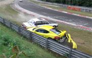 Filmpje: op de Nürburgring zit een ongeluk in een klein hoekje