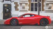 Ferrari 458 Speciale uiterst prachtig vastgelegd