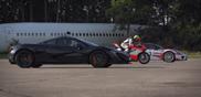 影片: 保时捷 918 Spyder, 迈克拉伦 P1 以及杜卡迪 1199 冲刺赛