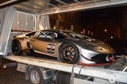 Lamborghini Huracán LP620-2 Super Trofeo even op straat te zien