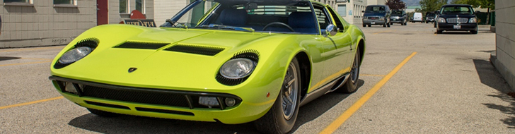 Van de Lamborghini Miura P400 S kun je blijven smullen