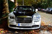 Gespot: stoere contrastrijke Rolls-Royce Wraith
