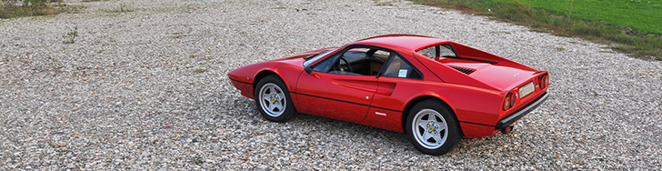 Eigenaar toont zijn Ferrari 308 GTB