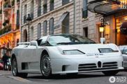 Seltene Bugatti EB110 GT in Paris gespottet