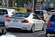 BMW M4 Coupé is slammed