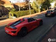 Spot van de dag: rode Porsche 918 Spyder