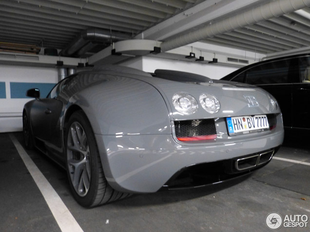 Grey Bugatti Veyron Is A Cool Car
