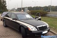 Belg mag rijbewijs inleveren na rijden met zwaailicht in Maybach