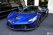 Blue looks great on the Ferrari LaFerrari