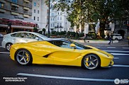 Een LaFerrari in het geel doet het altijd goed