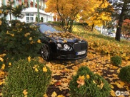 Bentley Continental GT dompelt zich in de herfst
