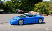 Bugatti EB110 GT heerlijk vastgelegd