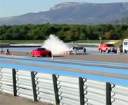 Movie: cyclist beats a Ferrari 430 Scuderia