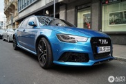 What do you think of a blue Audi RS6 Avant?