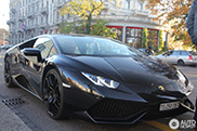What do you think of this completely black Huracán?