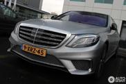 Gespot: twaalf cilinder sterke Mercedes-Benz S-klasse
