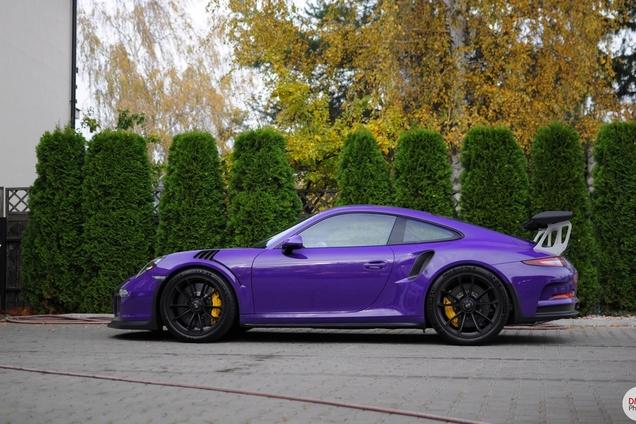 Ultravioletka w 911Garage