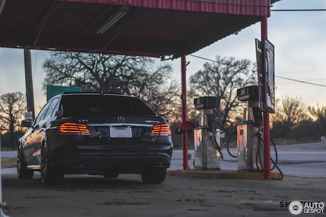 Fotoshoot: Mercedes E63 S AMG in landelijk Texas