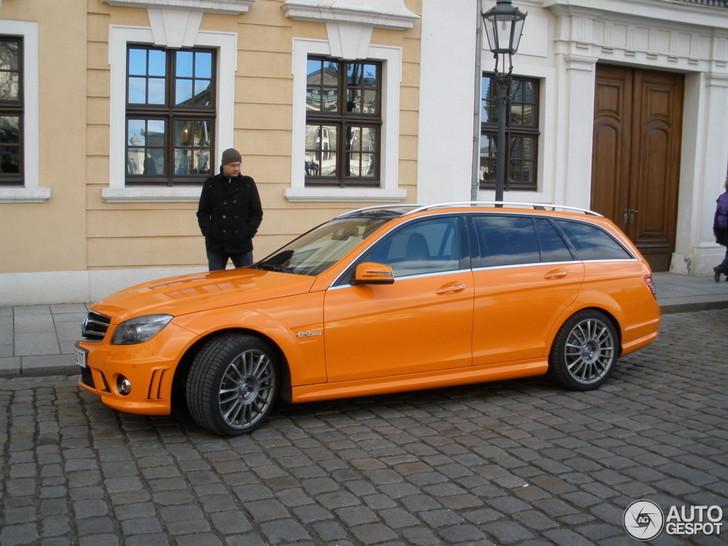 Gespottet Mercedes Benz C63 Amg T Modell In Orange