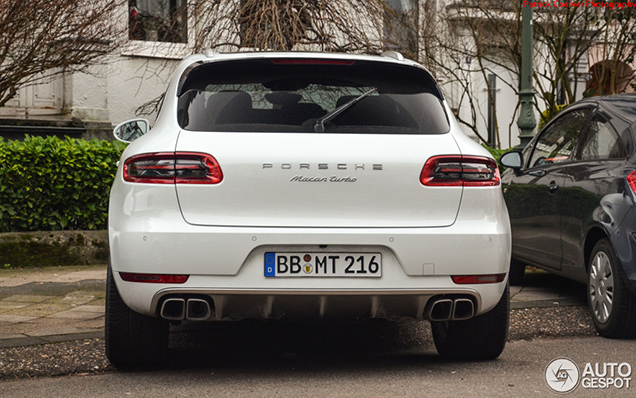 Porsche macan turbo vastgelegd in düsseldorf