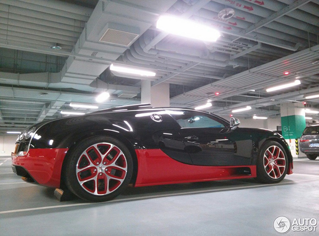 bugatti veyron grand sport vitesse is now spotted in china. Black Bedroom Furniture Sets. Home Design Ideas