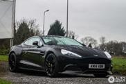 Spot van de dag: Aston Martin Vanquish Carbon Black