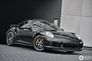 Zo stijlvol kan een zwarte Porsche 991 Turbo S zijn