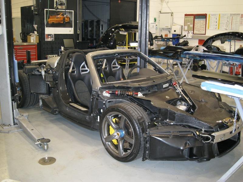 Naakte Porsche Carrera GT