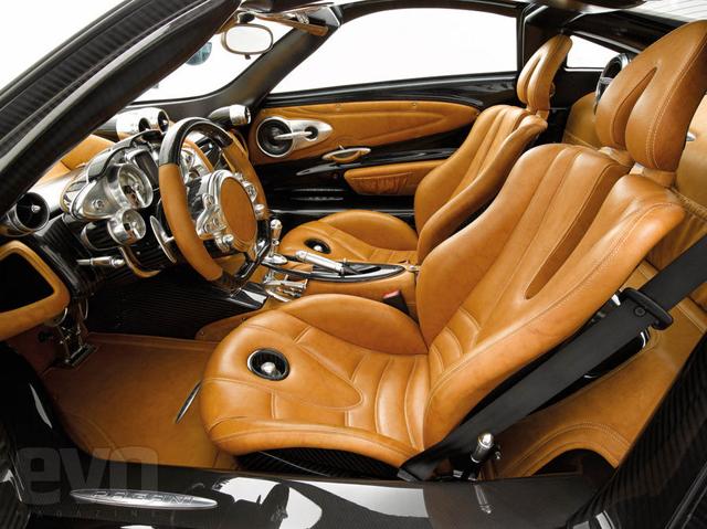 Officiëel: Pagani Huayra twin-turbo V12 met 700 pk!