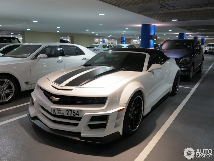 Chrome & Carbon-tuned Chevrolet Camaro Convertible spotted
