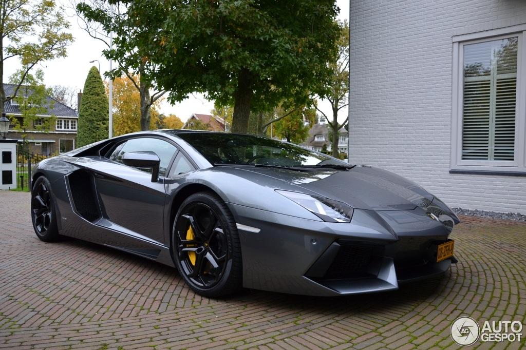 Toutes Les Couleurs De L Arc En Ciel La Lamborghini