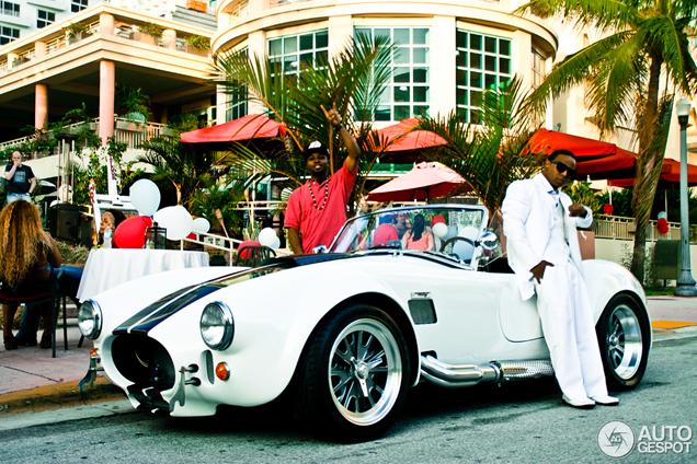 Gespot in Miami stijl: Lil Zane met AC Cobra