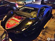 Navijač Arsenala svoj Aventador presvukao u foliju sa obeležjima kluba