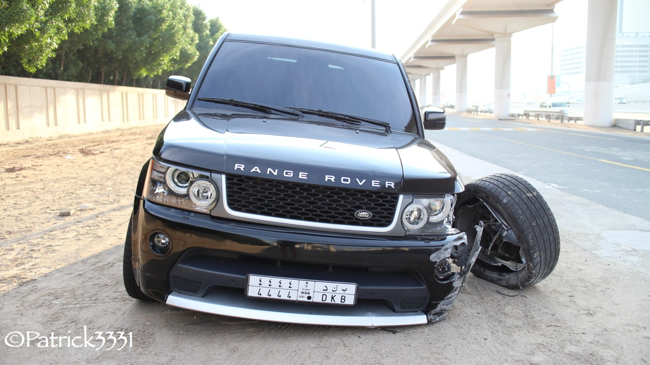Damaged Range Rover Abandoned In Dubai