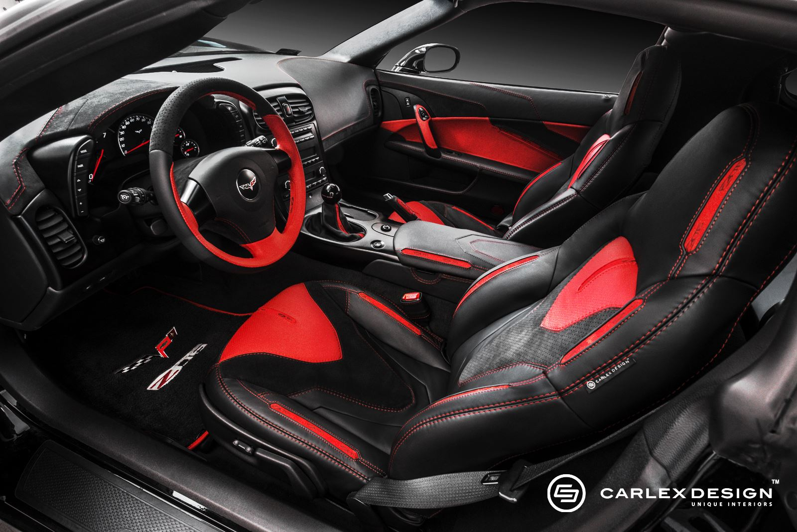 Carlex design equips the corvette c6 with new leather and for Interieur voiture