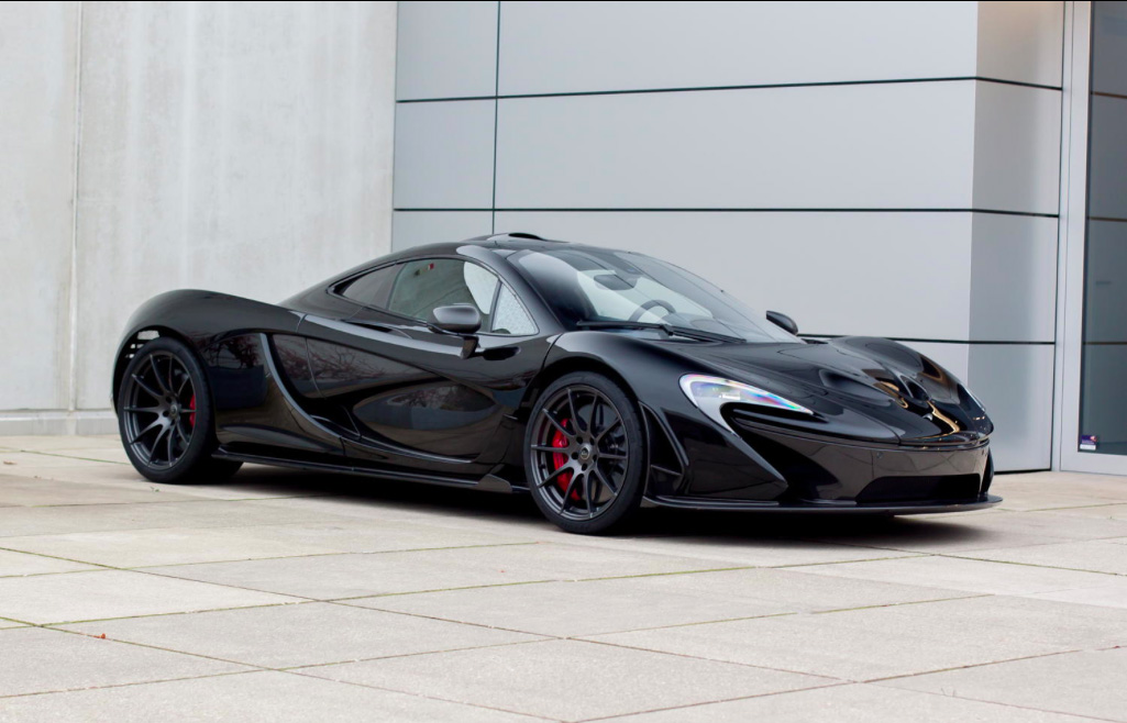 Mclaren P1 Orange And Black >> McLaren P1 shining at the dealership in Düsseldorf