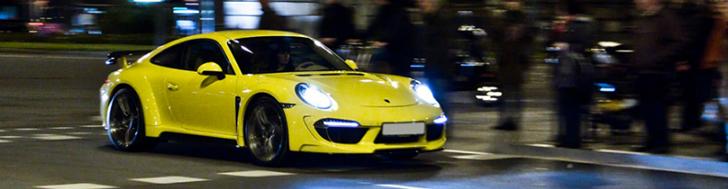 Une TopCar Stingray jaune à Barcelone