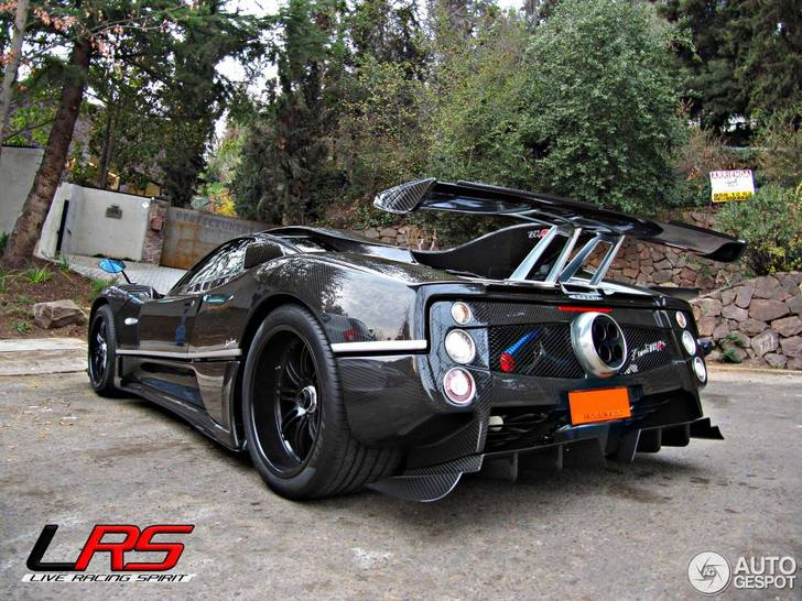 une pagani zonda 760rs a finalement t spott. Black Bedroom Furniture Sets. Home Design Ideas