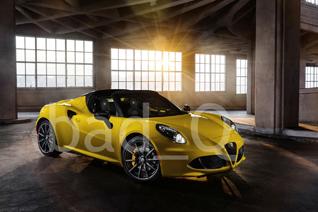 Eerste foto's Alfa Romeo 4C Spider gelekt