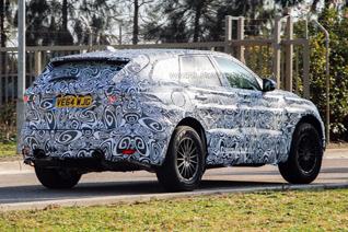 Jaguar F-Pace voor het eerst gespot met productie body