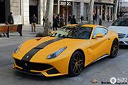 Magnífico Ferrari F12berlinetta gracias a la configuraciónTailor Made