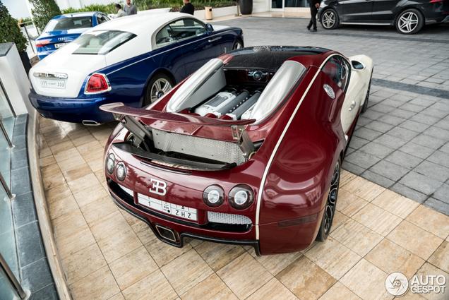 Deze Bugatti Veyron blijkt een echt reismaatje te zijn
