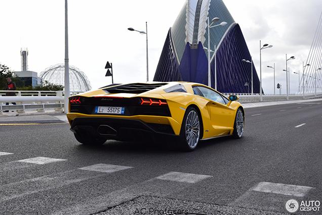 Nieuwe Lamborghini Aventador voor het eerst gespot