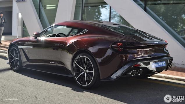 Zet je geld maar vast opzij: Aston Martin komt wellicht naar de beurs
