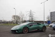 British Racing Greenish gekleurde Huracan Performante