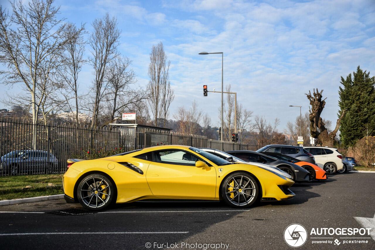 Ferrari 488 Pista is de ster van dit gezelschap